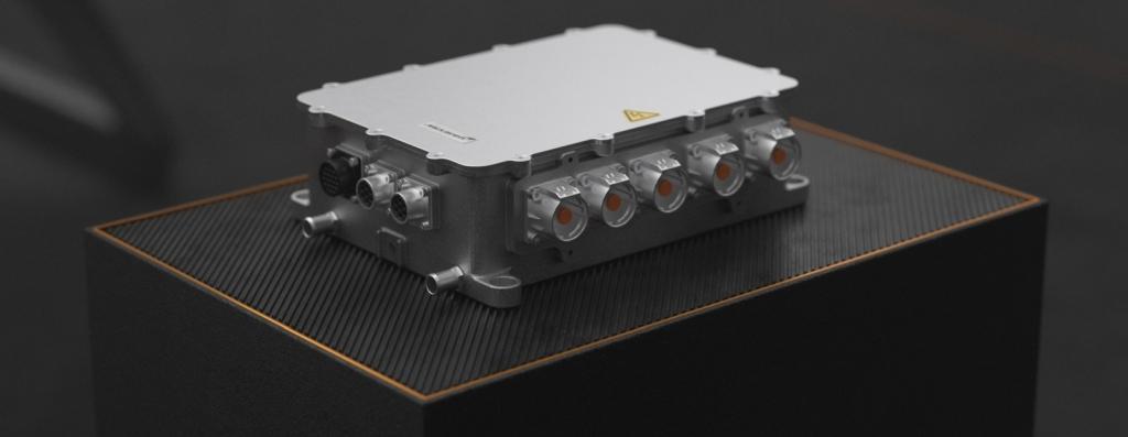 Der Siliziumkarbid-Wechselrichter MPU-200 fungiert als Kontrollverbindung zwischen Batterie und Motor.  Bild mit freundlicher Genehmigung von McLaren Applied.