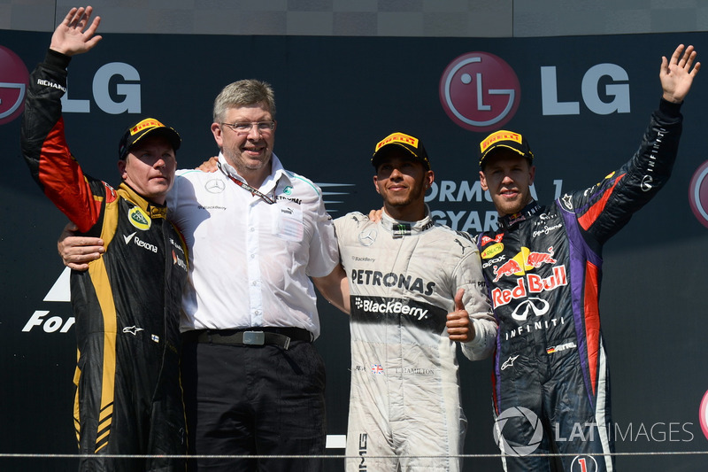 Podium: Zweiter Platz Kimi Räikkönen, Lotus F1 Team, Ross Brawn, Mercedes AMG F1 Teamchef, Rennsieger Lewis Hamilton, Mercedes AMG F1, Dritter Sebastian Vettel, Red Bull Racing